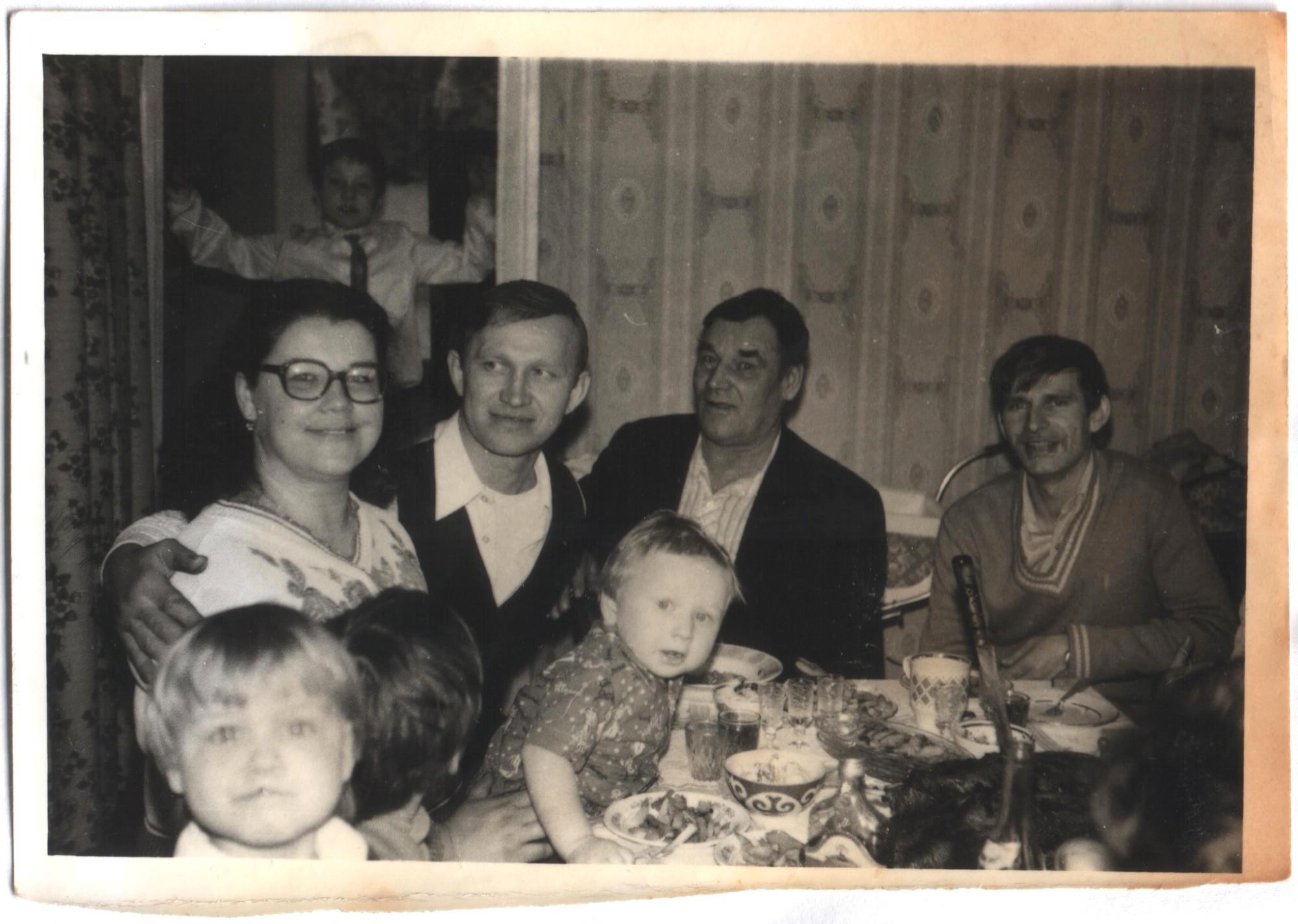 Фото с домашних альбомов 12 фотография
